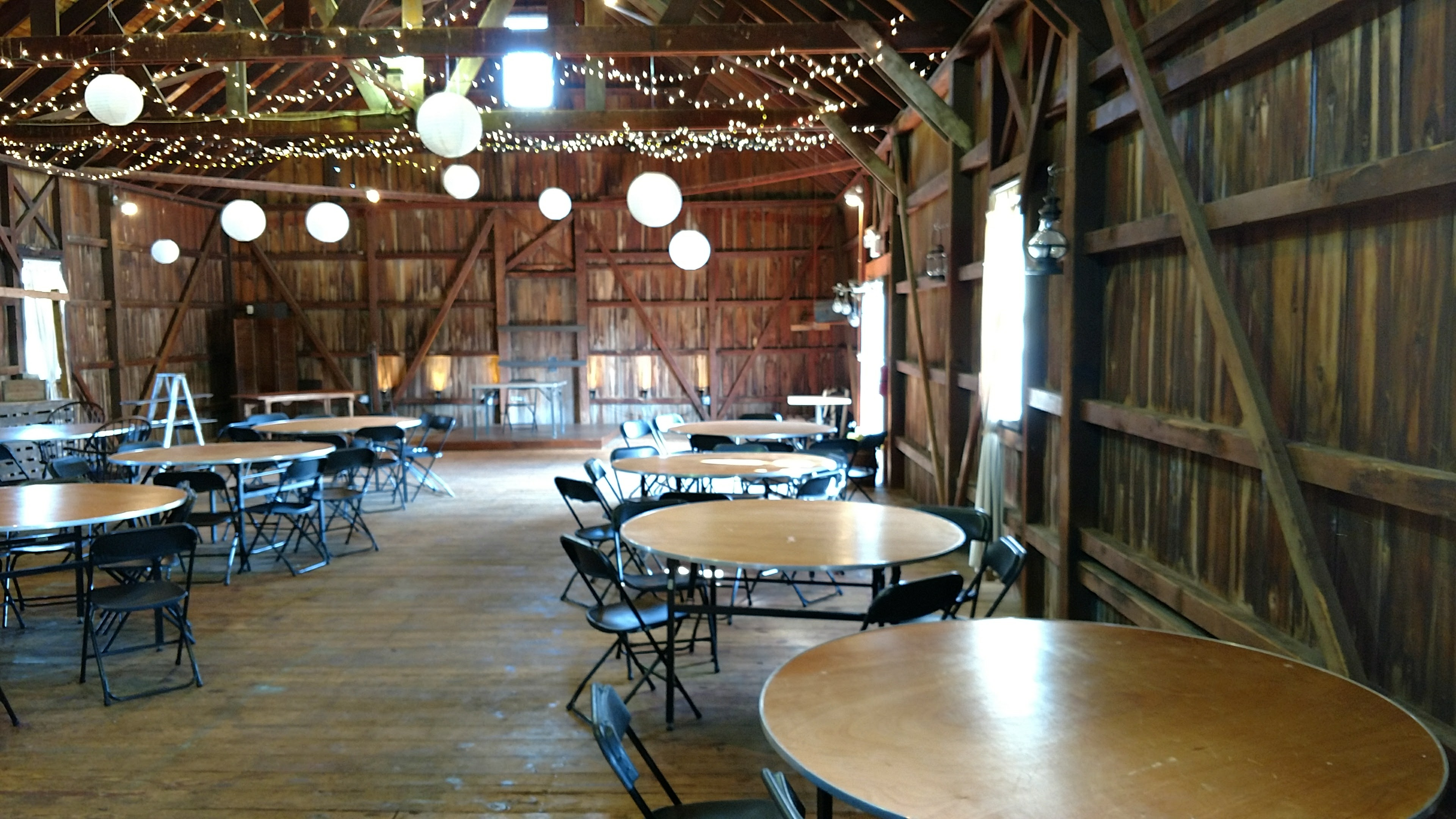 Rode S Barn At Rode S Fireside Restaurant Amp Tavern Hall
